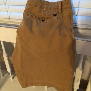 American Eagle men's khaki shorts
